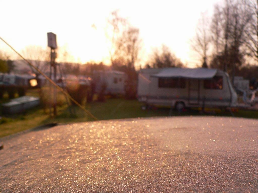 Camping Rhein Remagen Goldene Meile Frühling Ostern Sonnenaufgang eisig kalt Nacht gefroren