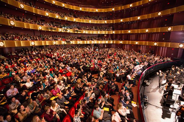 神韵纽约林肯中心2016年1月16日下午2点半场演出爆满。(戴兵/大纪元)