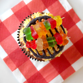 creatively christy: Birthday Boy: Kabob Cupcakes