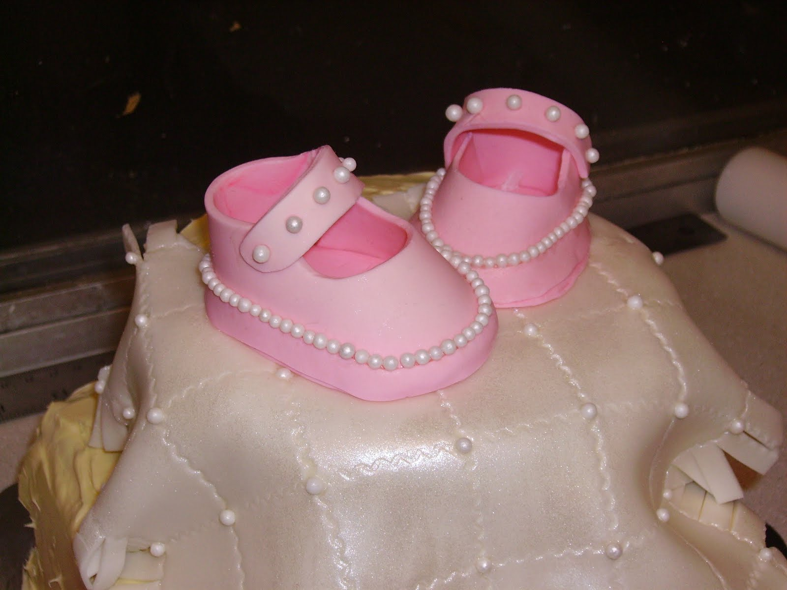 how to make baby booties with fondant