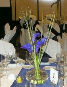 Wedding Decor, Centerpieces and Flower Arrangements in Blue