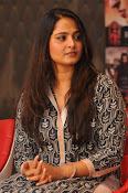 Anushka latest glamorous photos-thumbnail-4