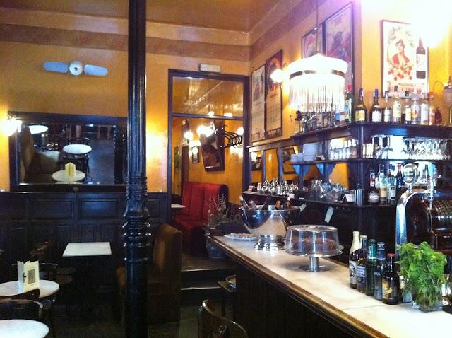Café de Ruiz, interior