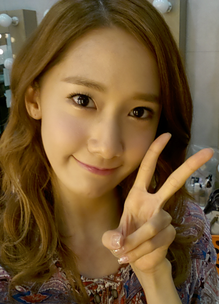 snsd+yoona+cute+selca+picture.png