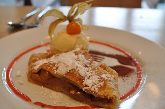 Canonbury+Kitchen+Islington+Upper+Street+review+Italian+restaurant+apple+strudel