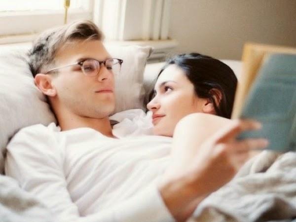 pareja_leyendo_amor