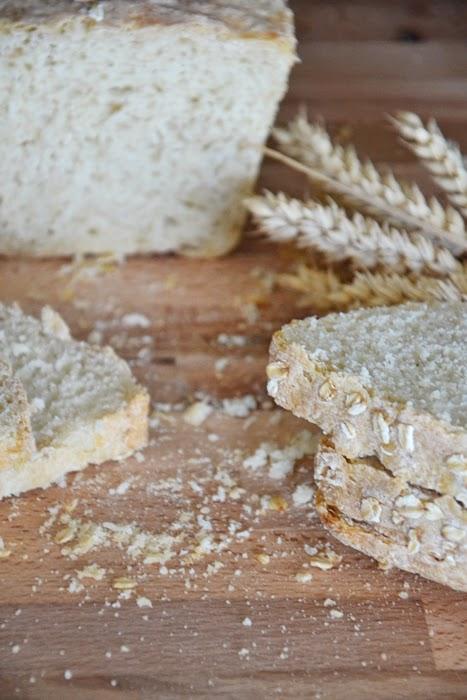 pan carrè con pasta madre, misto semola e fiocchi di avena