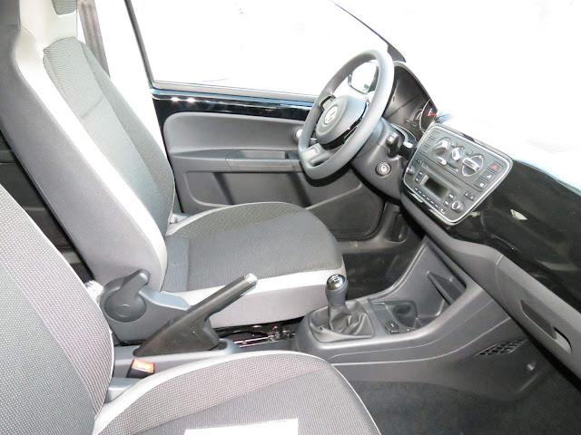 Volkswagen up! 2016 - interior