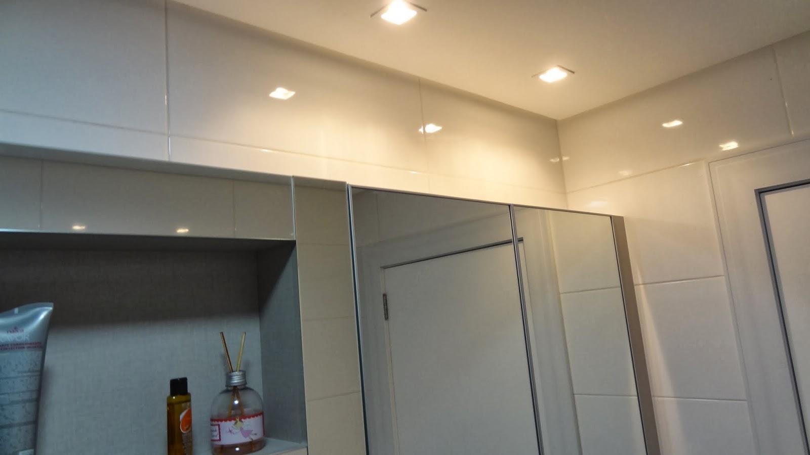ao acabamento: Lavabo Social e Banheiro da Suíte Casal Reta final #AA7822 1600x900 Acessorios Banheiro Perflex