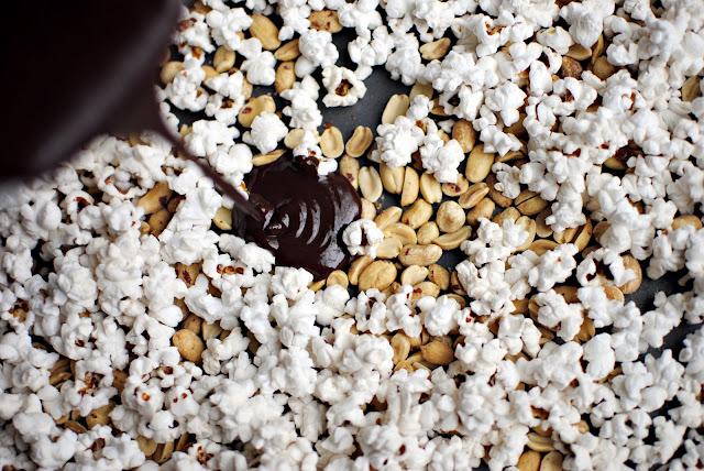 Chocolate Popcorn l www.SimplyScratch.com