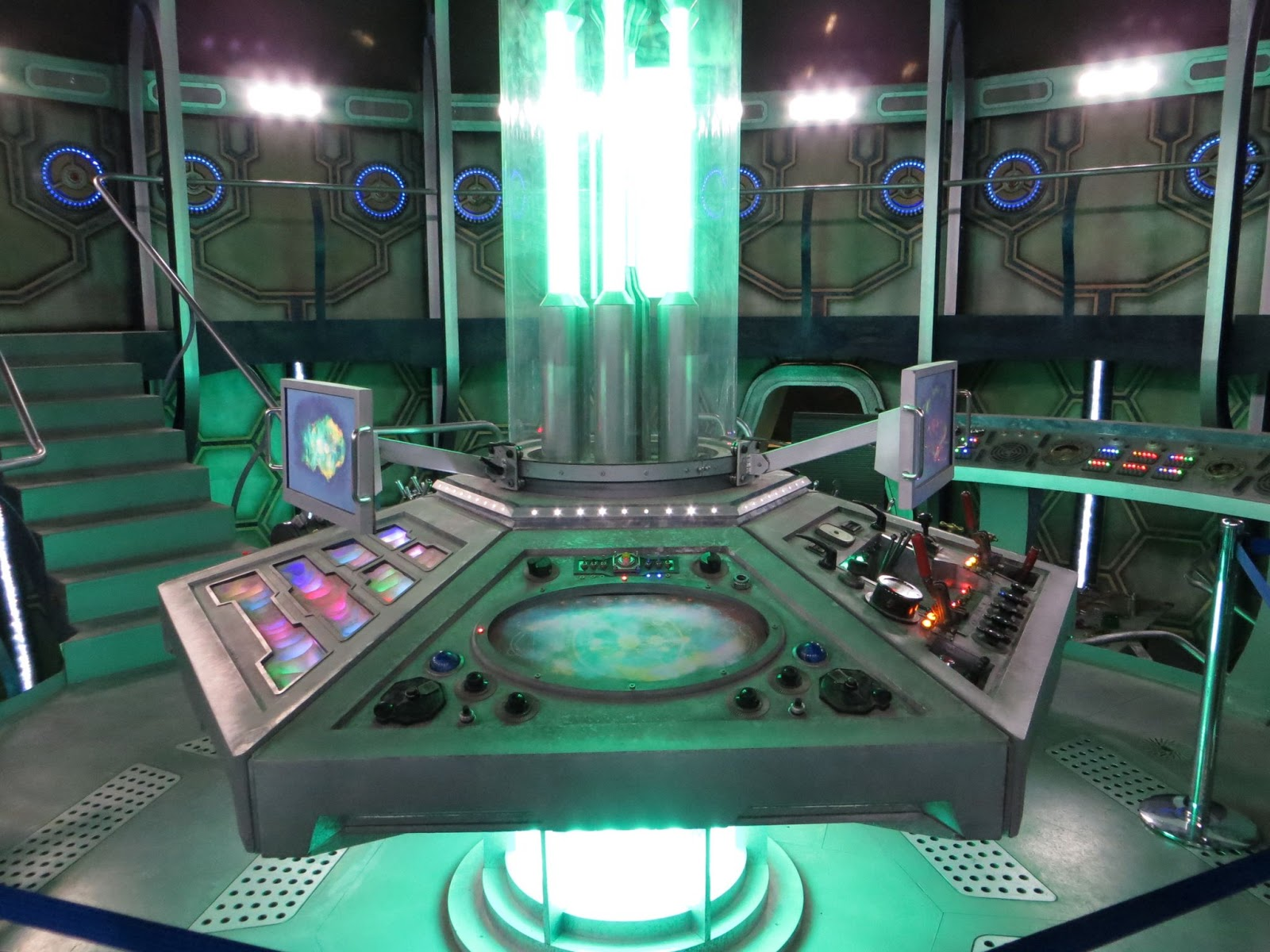Blogtor who review doctor who studio tours for 13th floor everquest