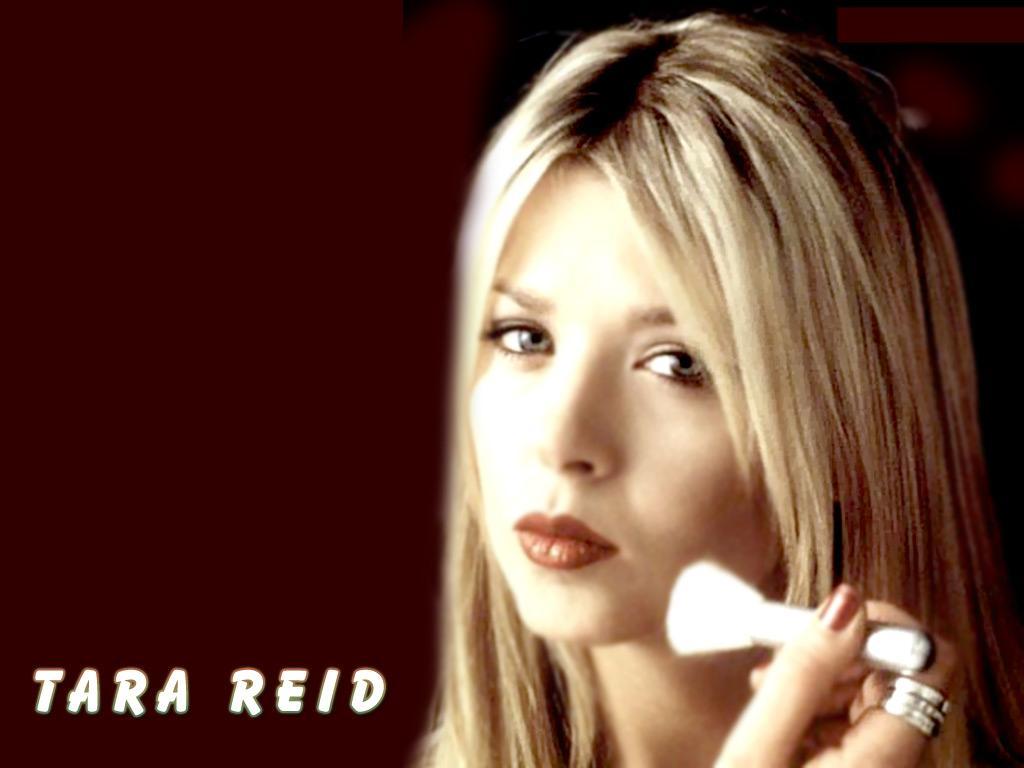 http://3.bp.blogspot.com/-hBU1aQzhdzQ/TivQSM9ZEoI/AAAAAAAAFEk/jcOhkka3RVA/s1600/Tara-Reid-background.jpg