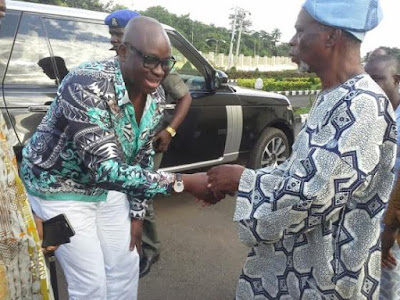 Fayose Pays An Unscheduled Visits To APC Chieftain And Former Governor of Ondo state