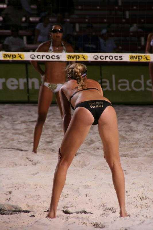 Sexy Beach Volleyball Girl in Thong Shows Off - YouTube