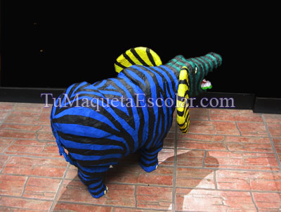 http://www.tumaquetaescolar.com/2015/04/alebrije-elefante-cocodrilo-cebra.html