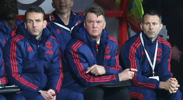 Thinking to do: How can Van Gaal get United playing again?