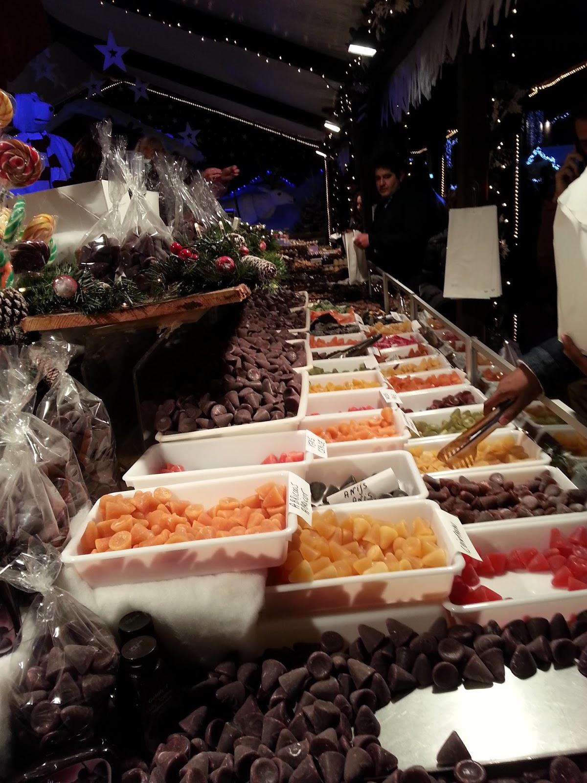 #A94422 Le Comptoir Des Filles: Marché De Noël à Bruxelles 5353 decorations de noel bruxelles 1200x1600 px @ aertt.com