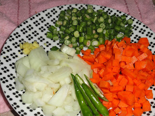 Cut vegetables for rava kichadi