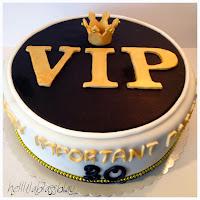 http://www.helllilablassblau.de/2014/04/vip-very-important-party-torte-zum-30.html
