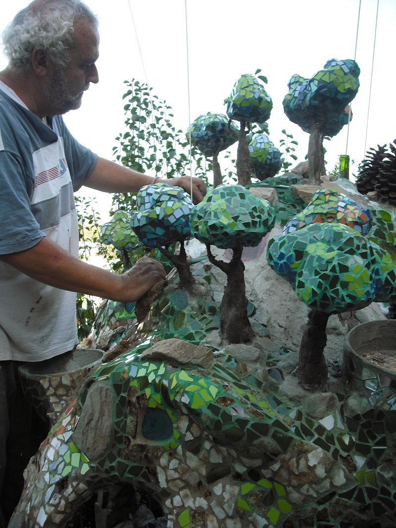 Como decorar un estanque en trencad s mosaicos el bosque - Como decorar un estanque ...