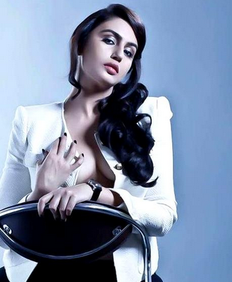 Actress Huma Qureshi Wardrobe Malfunction Photos