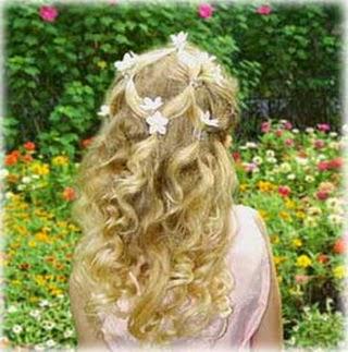penteados-daminhas-cabelos-cacheados-1