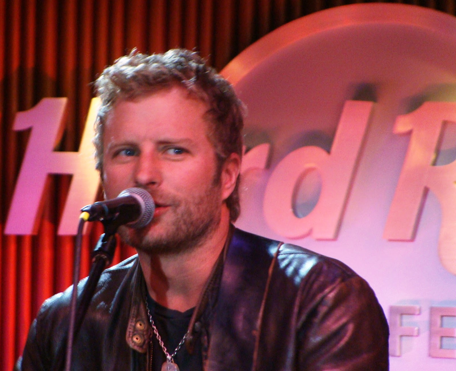 music pittsburgh first dierks bentley news at pa niagara concert pavilion