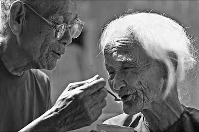 Tình yêu cụ dành cho cụ bà