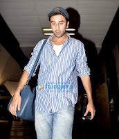 Ranbir Kapoor snapped arriving at the airport