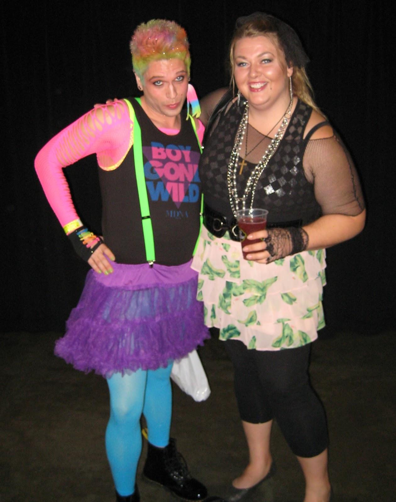 http://3.bp.blogspot.com/-hD4Gt6QWCIs/ULVThXvVehI/AAAAAAAAo6E/sWkV0dyRoO4/s1600/Madonna+concert+fan+outfit+boy+gone+wild+picture.jpg