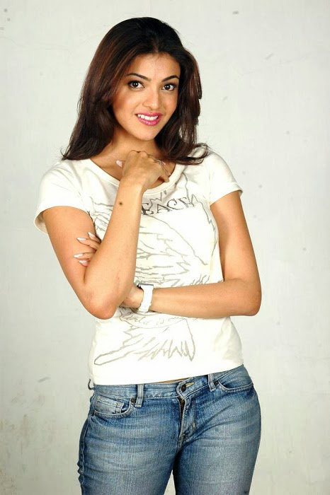 Kajal+Agarwal+Hot+And+Cute+In+Tight+T shirt+%2526+Jeans+Photos010