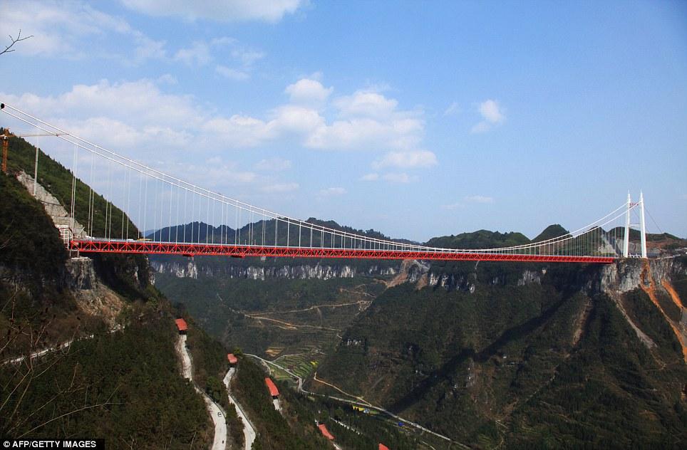 http://3.bp.blogspot.com/-hDZ3xBap38Q/T3c13t97eBI/AAAAAAAAJJA/-S1kCFVpQoI/s1600/Aizhai-Extra-Large-Suspension-Bridge-2.jpg