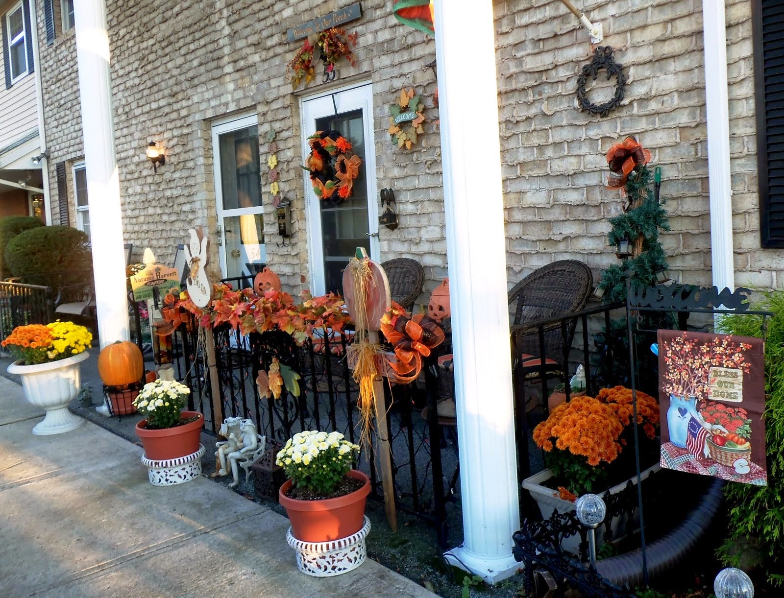 Fall/Halloween Front Porch & Yard 2014