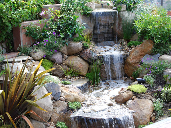 Garden waterfall designs beauty garden wallpapers for Garden design features