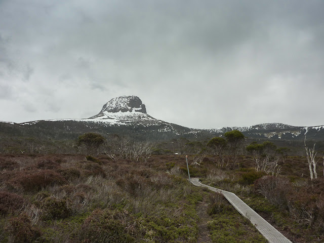 barn bluff from overland track
