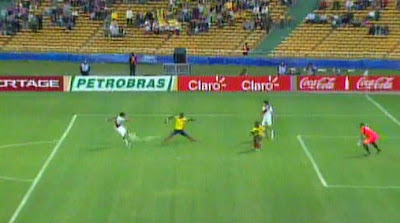 PERU GANO A COLOMBIA 2 A 0 GOLES DE LOBATON Y LOCO VARGAS