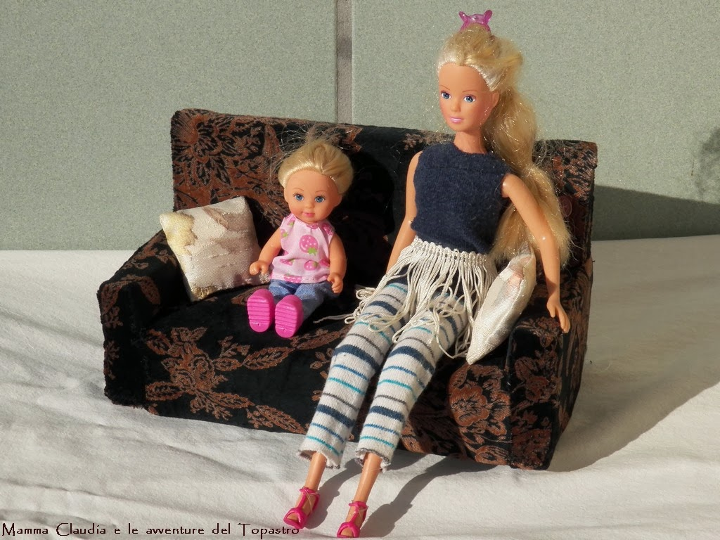 mamma claudia e le avventure del topastro divano per