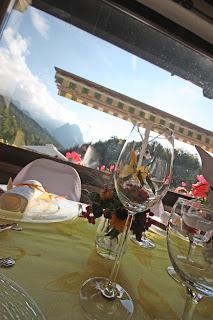 Gelbe Organza-Tischläufer, Tischdeko Sommerhochzeit