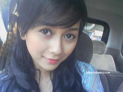 Foto Private Aura Kasih Tetap Cantik Tanpa Make-up - Download Bokep