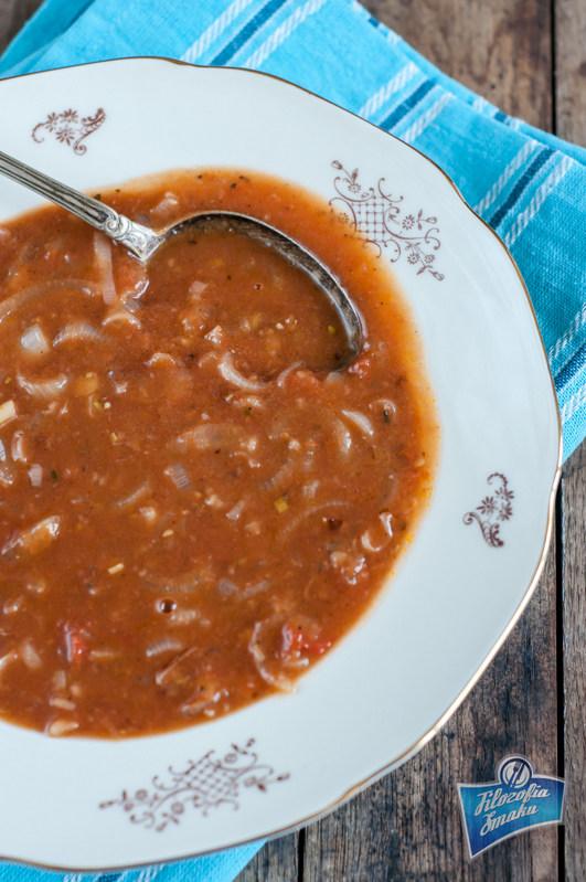 Zupa pomidorowa z cebulą