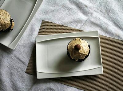 Receta mini cakes de chocolate_Receta cupcakes de chocolate_receta buttercream de moka