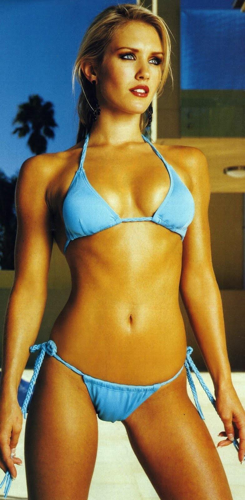 Nicky Whelan Hot Nude Photos 54