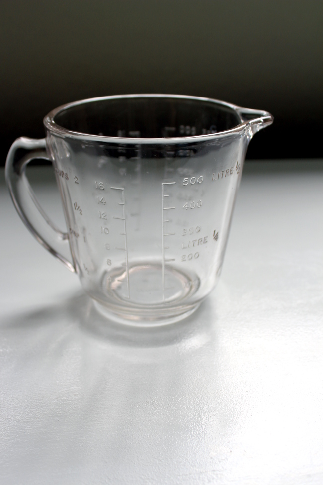 thrift measuring cup