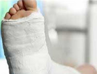 Kasaragod, Municipal Worker, Injured, Thamban, Leg, Train, Rail Way Station, Kerala, Hospital,  Kerala News, International News
