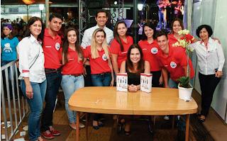 http://blogdarevistainsidegaleria.blogspot.com.br/2014/10/feira-do-livro-seis-dias-de-intensa.html