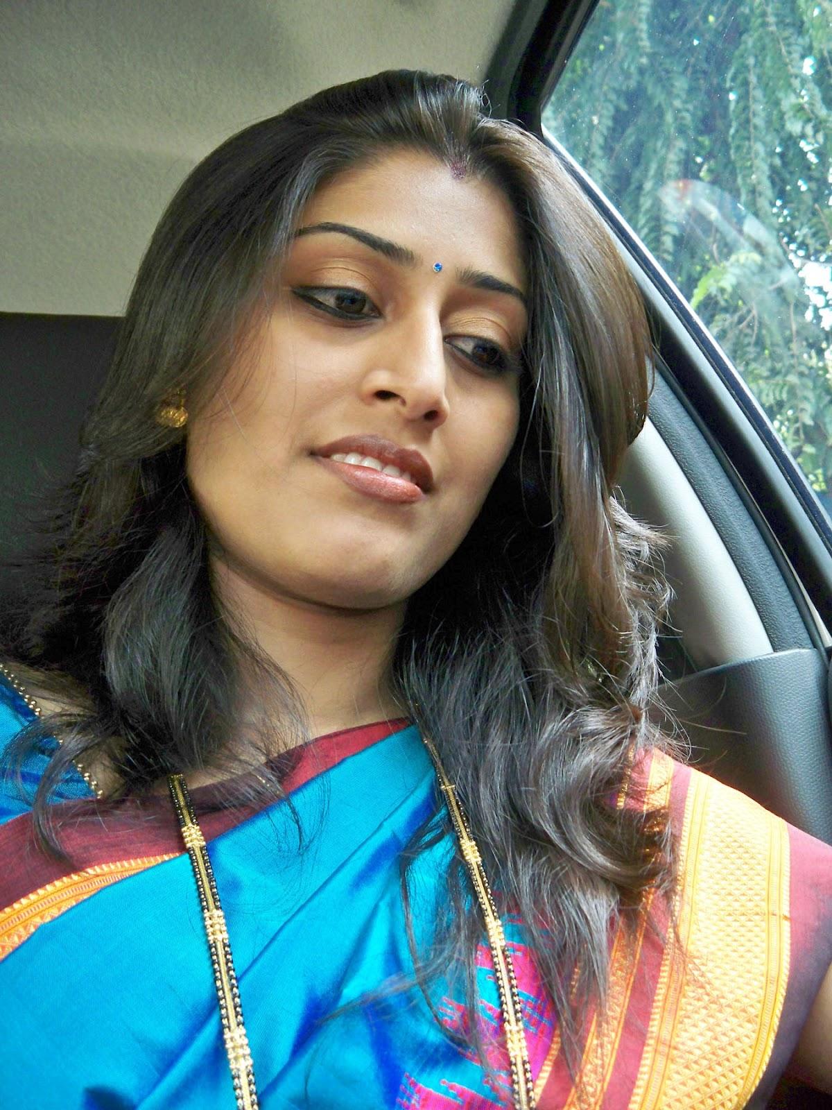 Tamil Homely Beauties very hot   Beauty Tamil Nadu Aunties