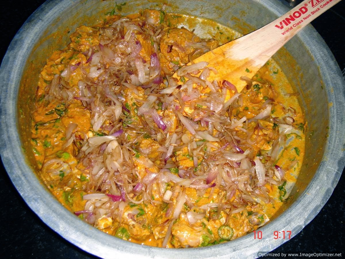 Hyderabadi d... Hyderabadi Chicken Biryani