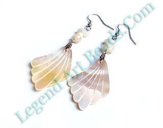 Carving Conch Earring