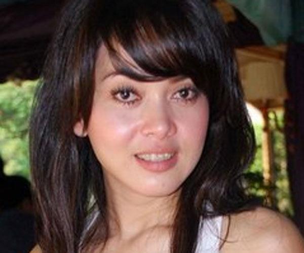 Foto Syahrini Tanpa Make Up