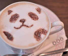 Um café, um livro, uma música e um punhado de sonhos!